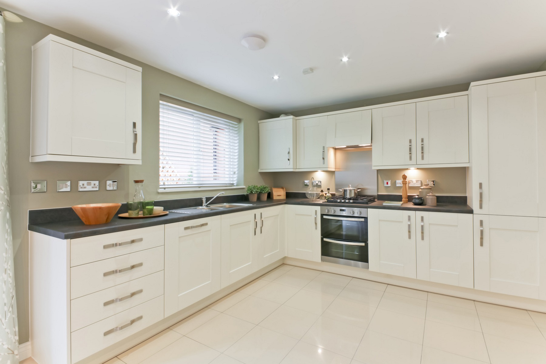 TW Exeter - Mayfield Gardens - Huxford example kitchen1